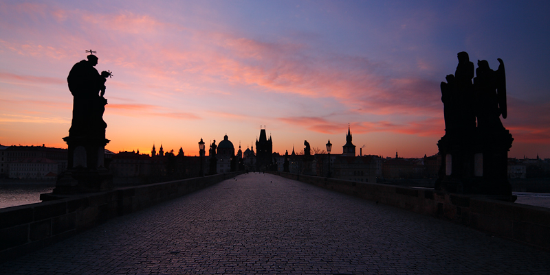 Karlův most - barevné svítání