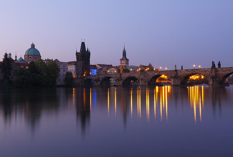 Lampy Karlova mostu