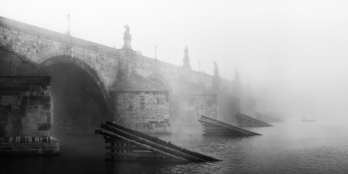 Karlův most - mlžné panorama