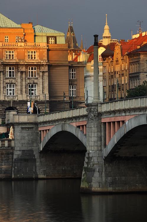 Mánesův most