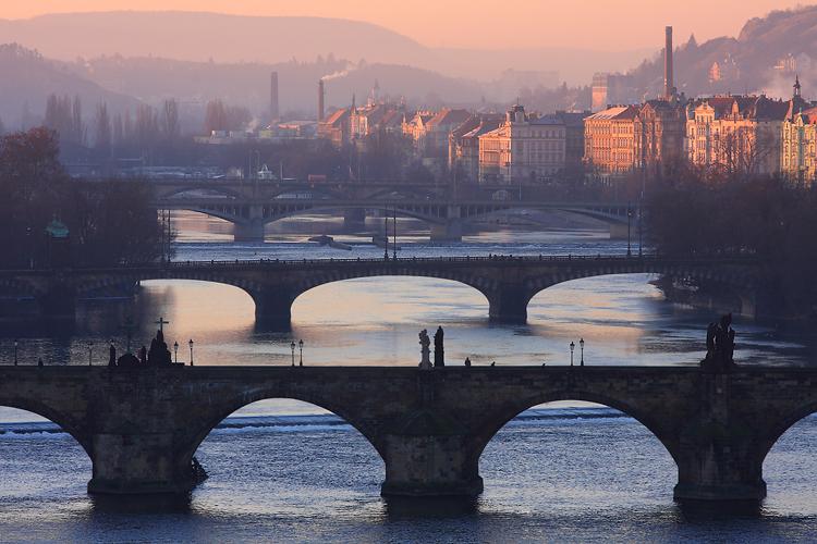 Mosty a komíny pražské