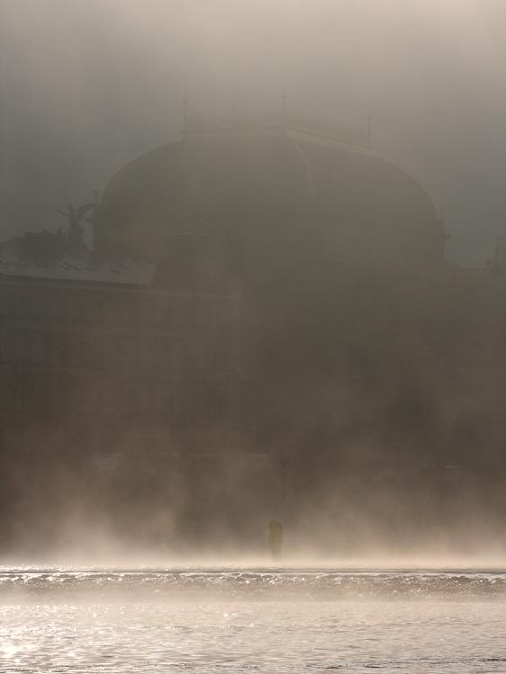 Národní divadlo - mlha