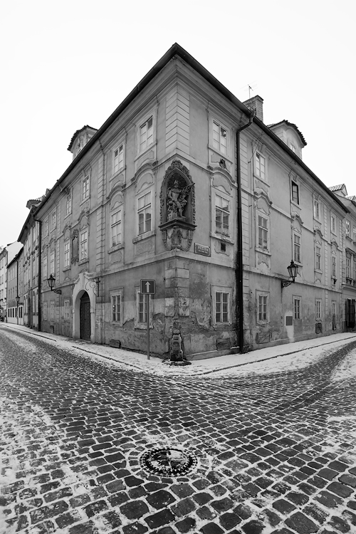 Pelclova a Nosticova ulice