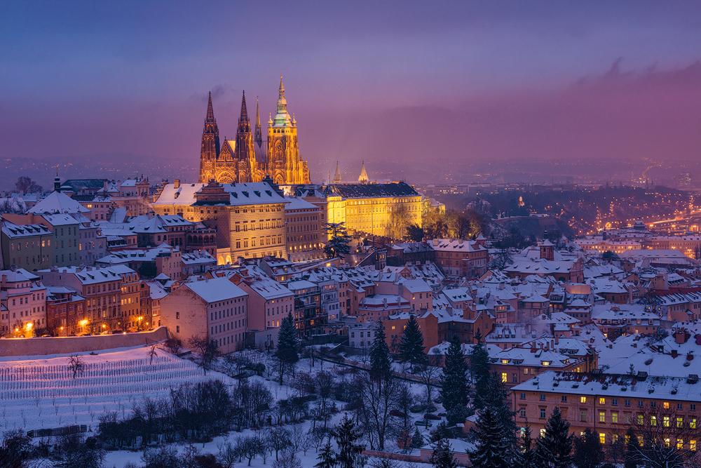 Pražské panorama pod sněhem