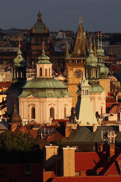 Pražské věže - poslední světlo