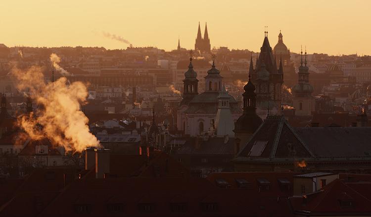 Pražské věže při svítání