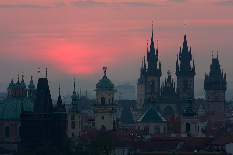 Pražské věže - svítání