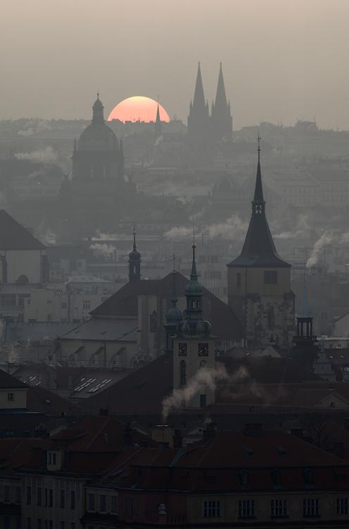Pražské věže - východ slunce