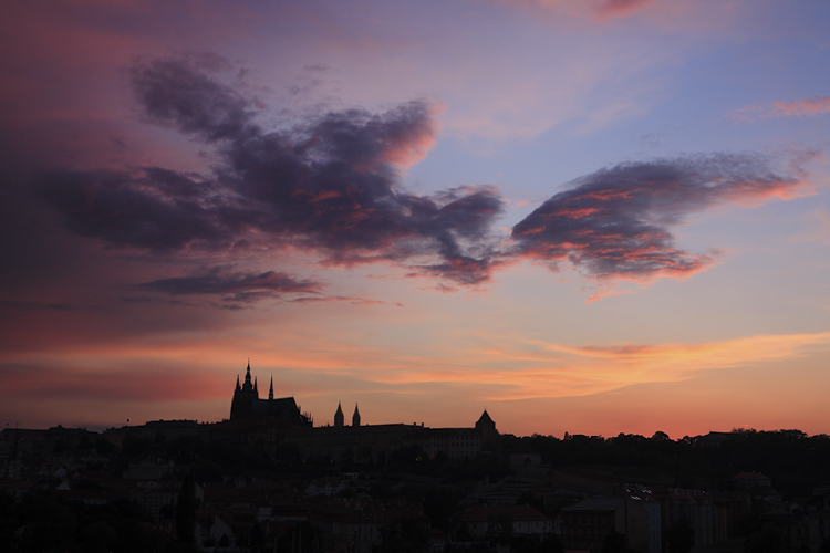 Pražský hrad - barevný mrak