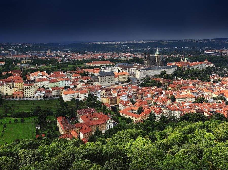 Pražský hrad, letní bouřka