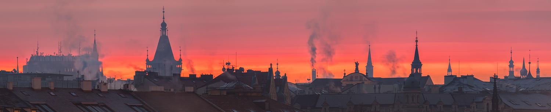 Rudá záře nad Prahou