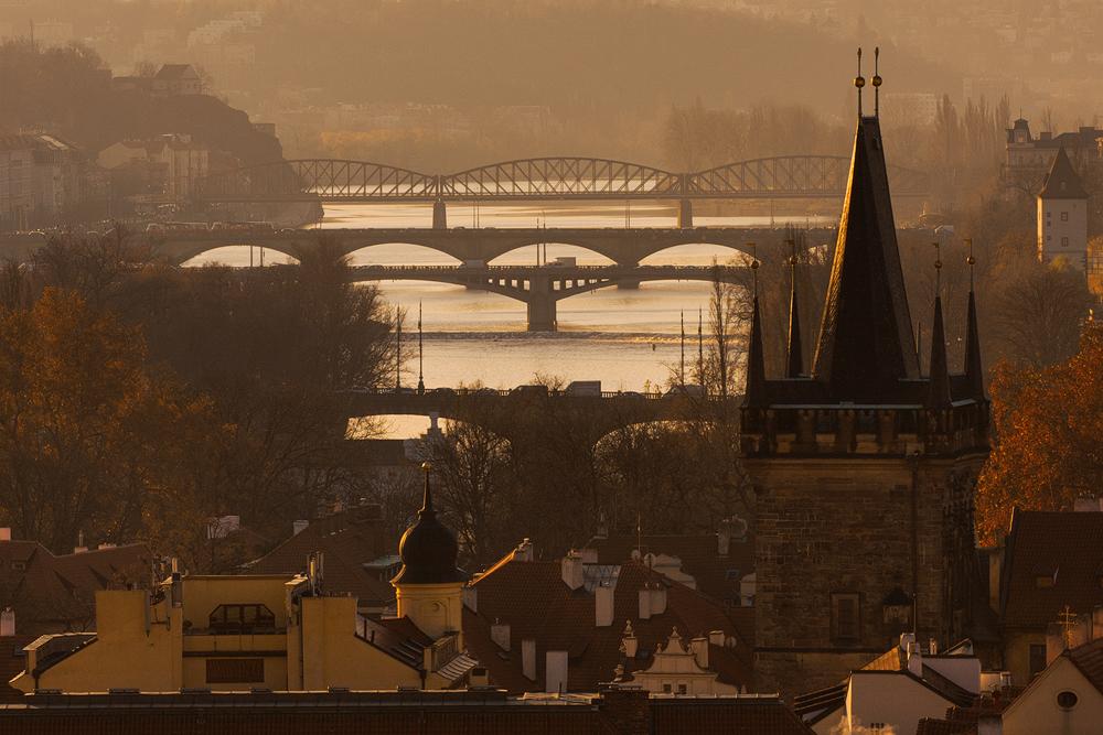 Siluety pražských mostů
