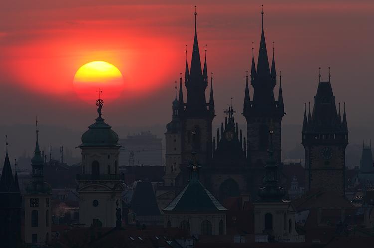 Slunce nad Klementinem