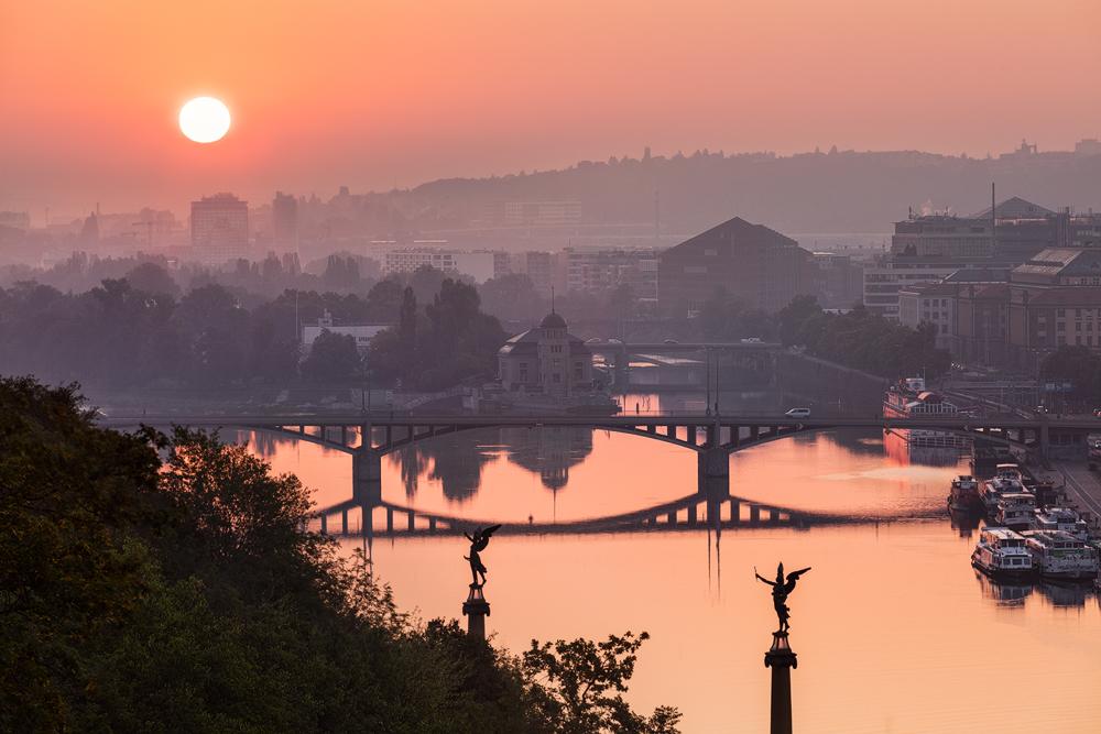 Slunce nad Vltavou