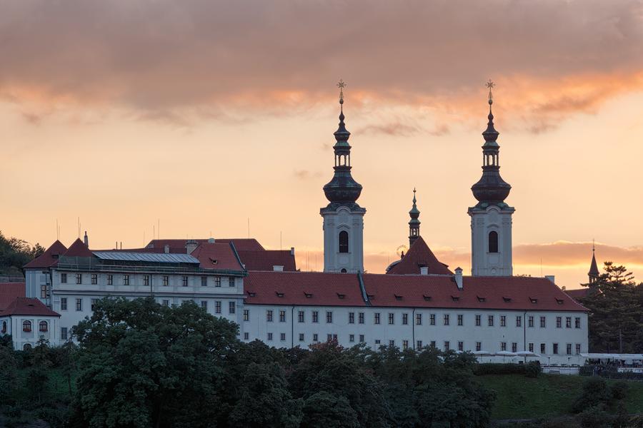 Strahovský klášter v podvečer