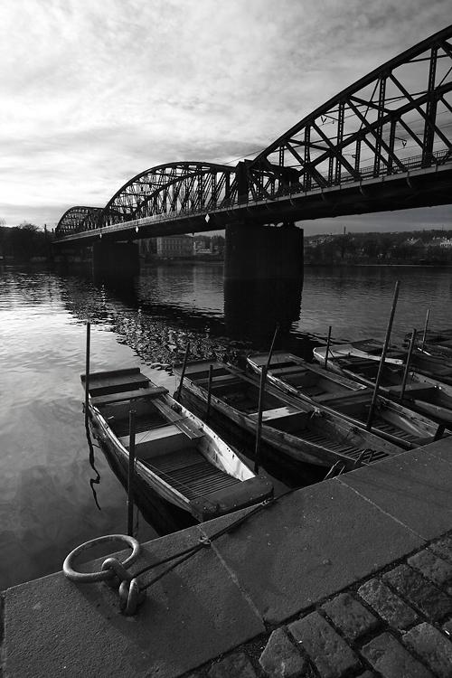 Pražský železniční most